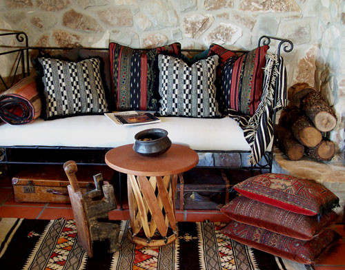 Custom ready made pillows ethnic pillows eclectic for Arredamento indiano on line