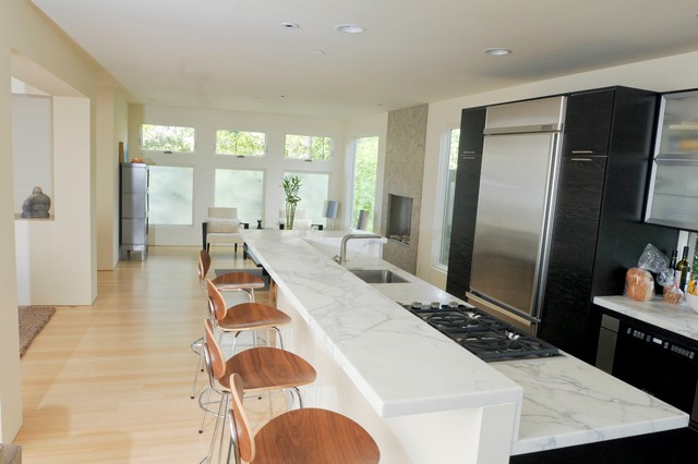 contemporary kitchen by Heydt Designs