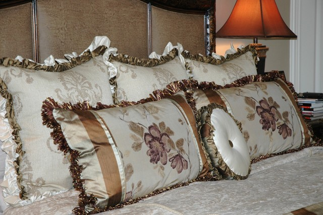 Lake Pointe Estates Residence traditional-bed-pillows