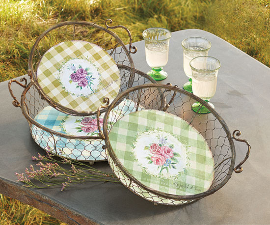 Gingham Floral Plates And Baskets traditional-serveware