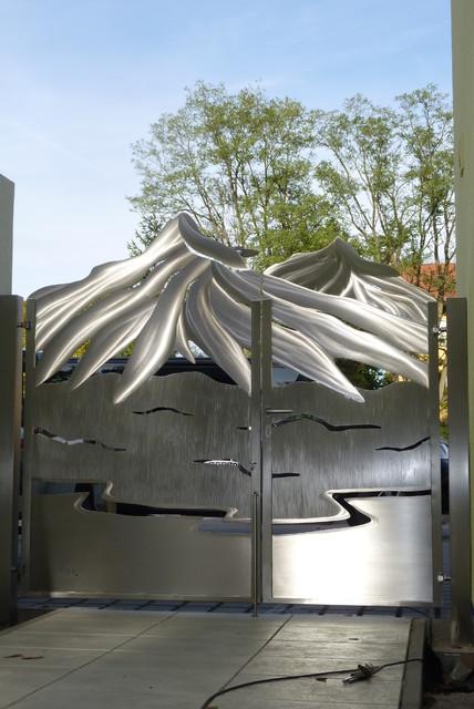 Stainless steel mountain gate design edelstahl bergtor for International decor gates
