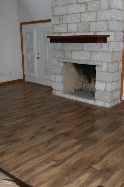 Wallace laminate-flooring
