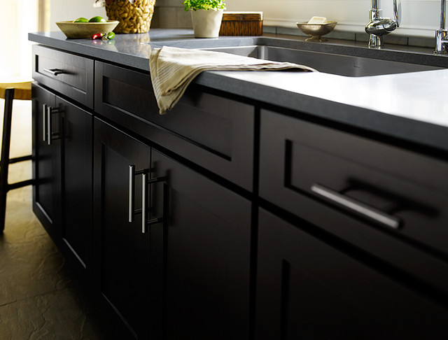 Black kitchen cabinets dayton door style cliqstudios for Black kitchen cabinets images