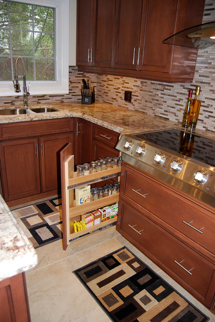 New Kitchen with medium stained Maple Shaker contemporary