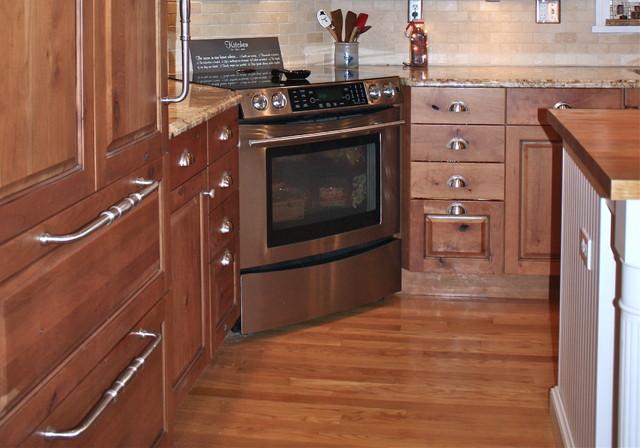 Ferris Estates traditional-kitchen
