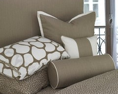 Throw Pillows For Taupe Couch : Throw pillows for a taupe couch