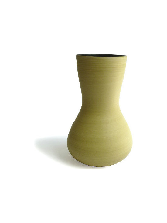 Giara vase in desert - Photos by Megan Harrow
