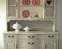 China Cabinets and Hutches traditional-buffets-and-sideboards