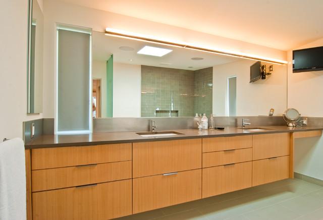 Des Moines Mcm Remodel Modern Bathroom Seattle By