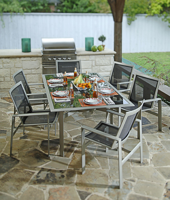 Modern outdoor furniture with rustic flagstone tile for Outdoor furniture dallas