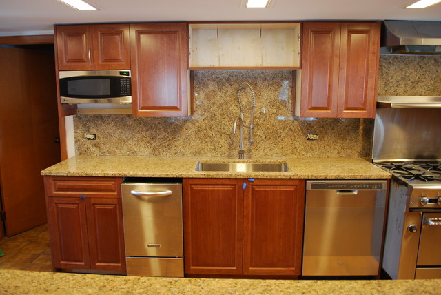 Laminate kitchen cabinets chicago for Kitchen cabinets chicago