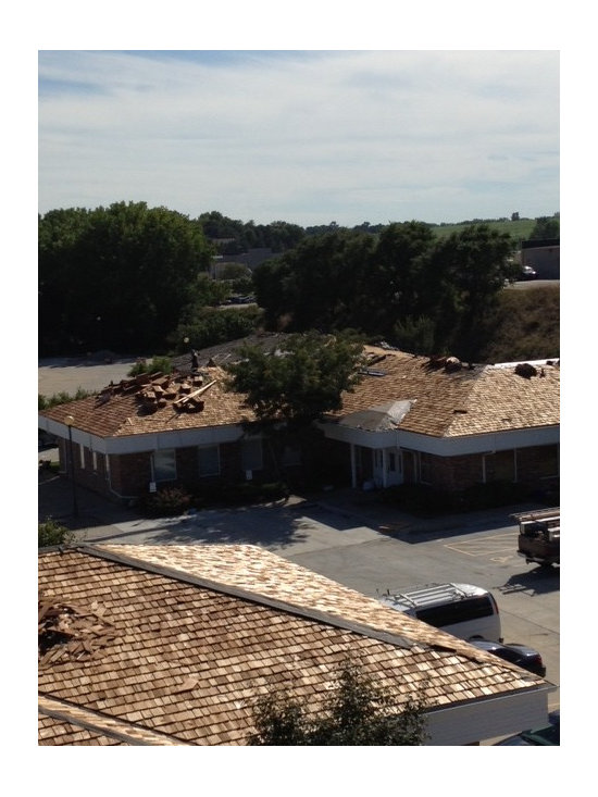 Roofing and Siding projects - A seven hundred plus square 6 building commercial cedar shake roofing project.