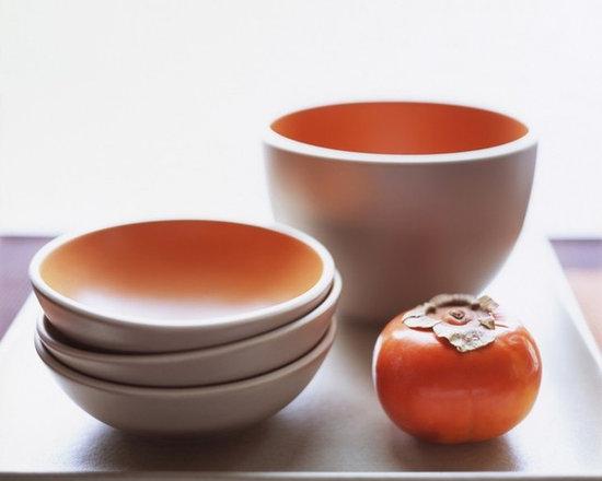 Heath Ceramic bowls in persimmon french grey -