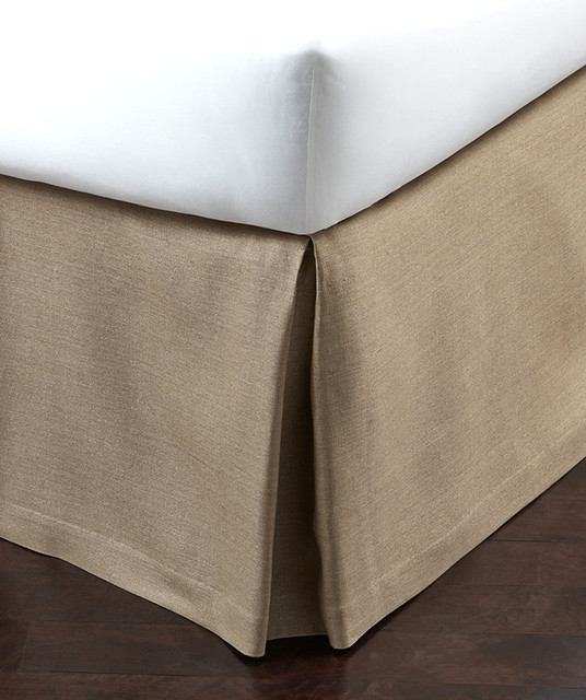 Dust Ruffles (Bed Skirts) Dust ruffles from Schweitzer Linen (sometimes referred to as a bed skirt) add an elegant touch to the most well-dressed beds. Our collection includes standard inch drop, as well as and inch drop, for all standard bed sizes, from twin to king.