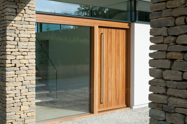 Contemporary Front Door 640 x 426