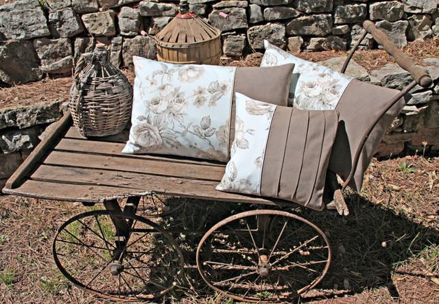 cr ation de coussins fait main. Black Bedroom Furniture Sets. Home Design Ideas