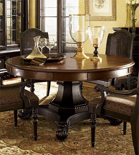 Tommy Bahama Kingstown Bonaire Round Extension Dining