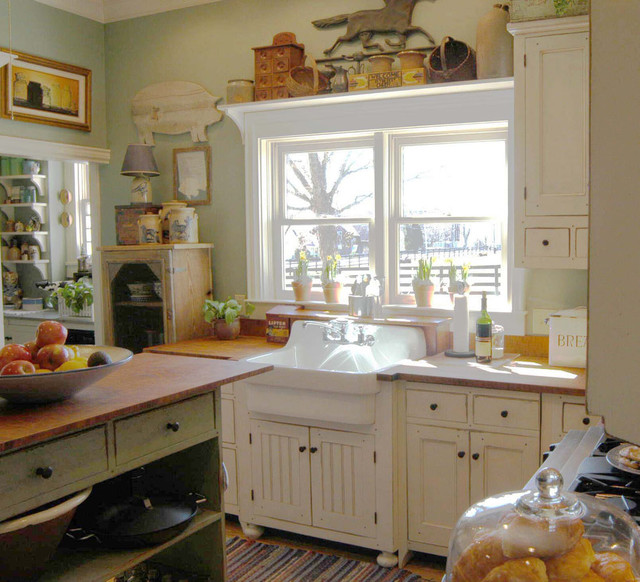 1890 Cottage Style Kitchen traditional