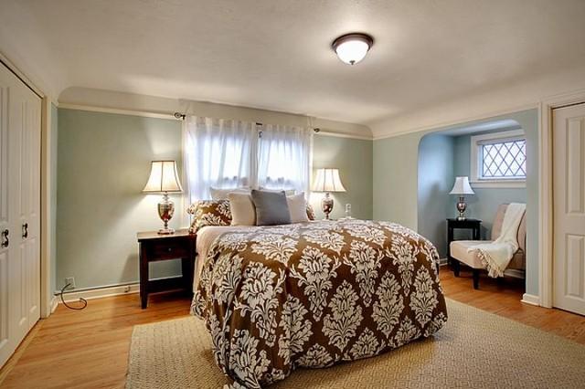 Mapleleaf Tudor traditional-bedroom