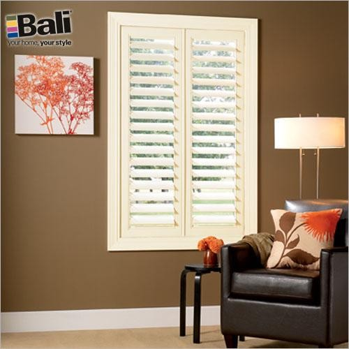Modern window treatments casual cottage for Modern blinds for windows