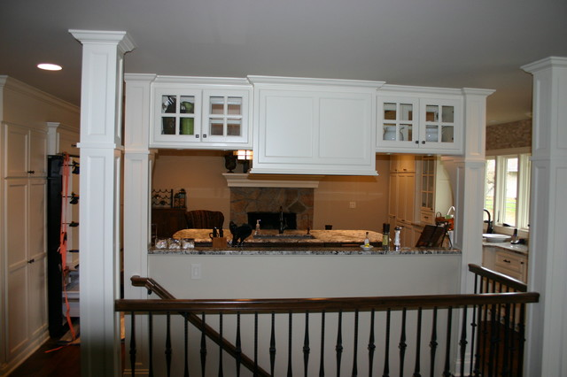 Kitchen and hearth room traditional-kitchen