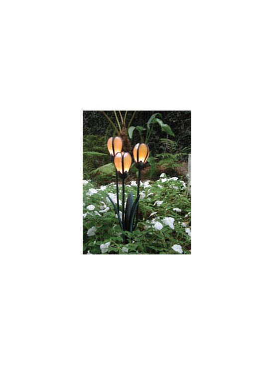 Tulip Cluster Bronze Landscape Lighting -
