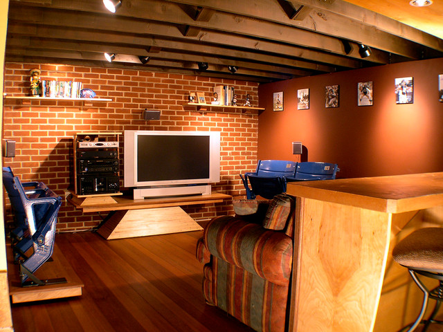Http Www Houzz Com Photos 2847664 Sports Themed Man Cave Eclectic Basement Philadelphia