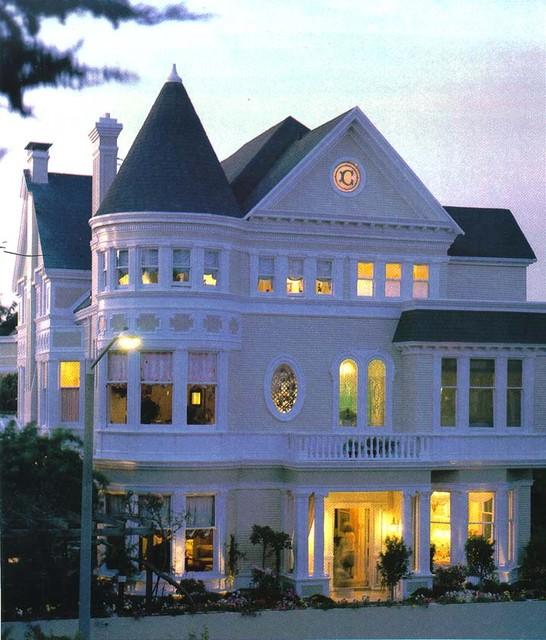 Front Facade traditional-exterior