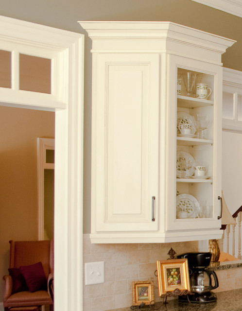 Wall End Angle | CliqStudios.com traditional kitchen cabinets