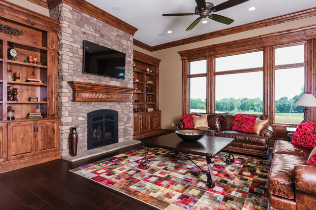 4701 155th Ct traditional-living-room