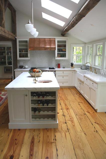 Renovated Farm House Farmhouse Hardwood Flooring new york by Excelsio