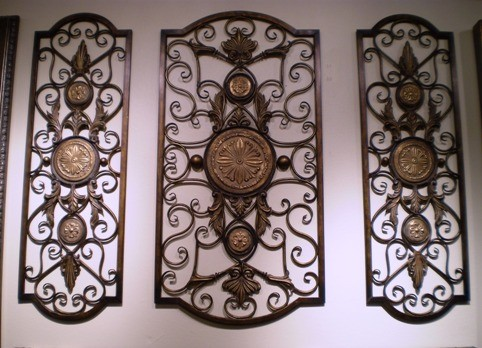 3-PIECE IRON WALL DECOR WITH GLASS MEDALLIONS