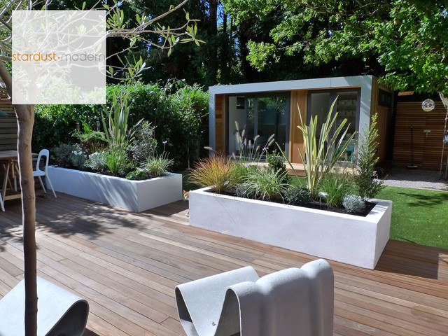 Contemporary modern landscape design ideas for small urban for Contemporary garden design ideas