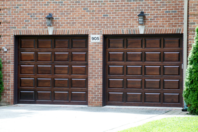 Design highlight stile rail garage doors and openers for Door design with highlighter