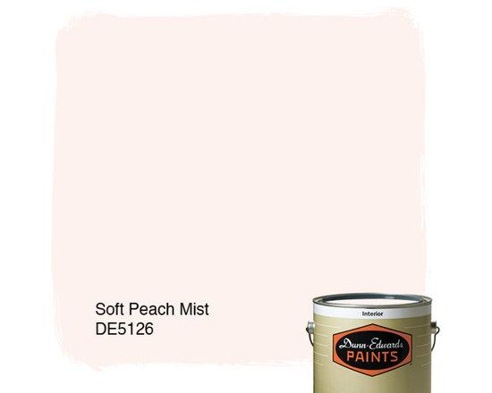 Dunn-Edwards Paints Soft Peach Mist DE5126 -