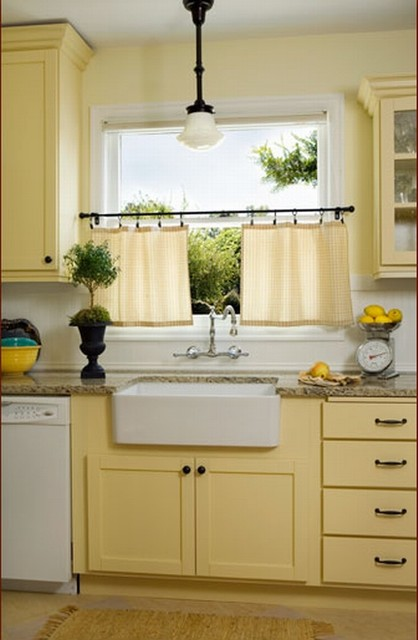 Donna DuFresne traditional-kitchen