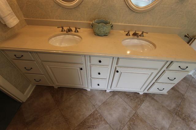 Master Bath Oasis White Cabinets Caesarstone Countertop