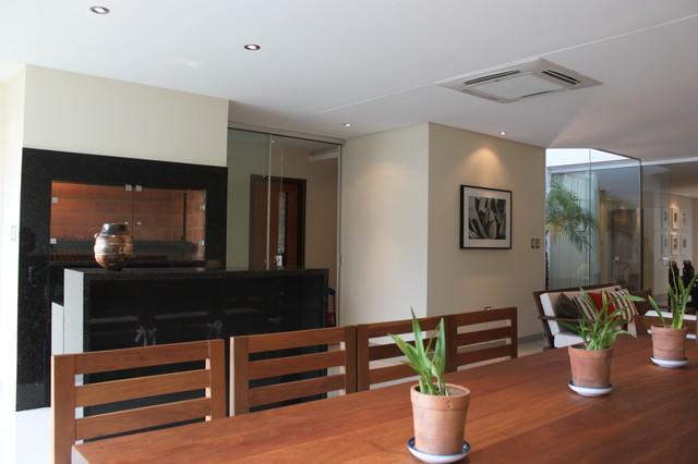 House 23 contemporary