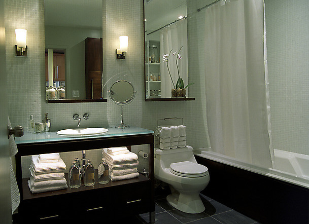 Clean modern bathroom for Clean bathroom designs