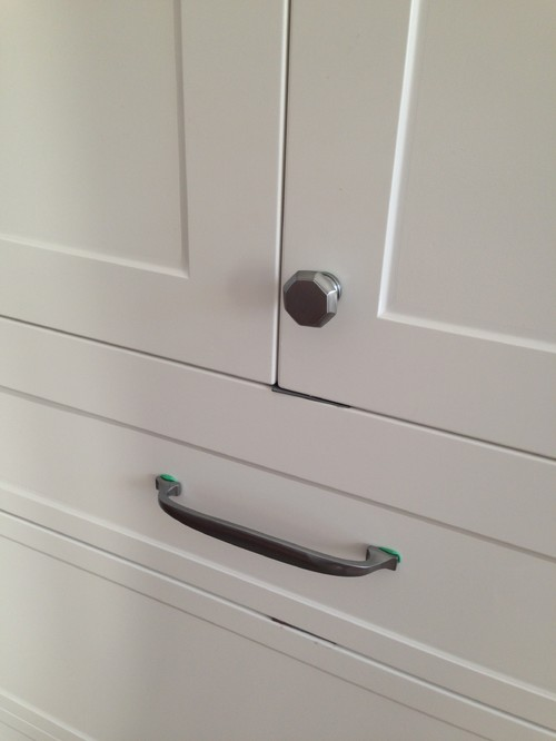 kitchen handles or knobs