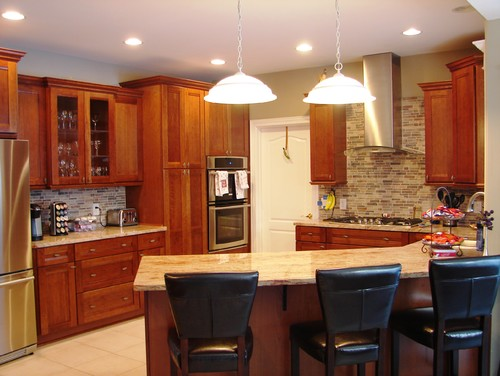 Typhoon bordeaux dark cabinets backsplash ideas for Cherry bordeaux kitchen cabinets