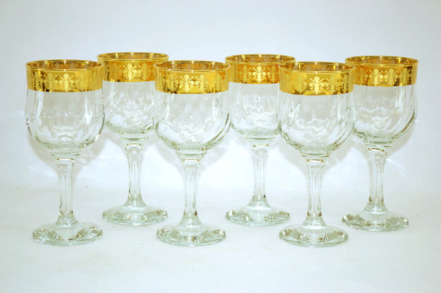 Threestar 14k Gold Rim Fleur De Lis Pattern Italian Wine Glasses (Set of 6) mediterranean-everyday-glassware