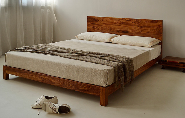Sonora Bed - A low wooden bed with a generous headboard - Modern ...