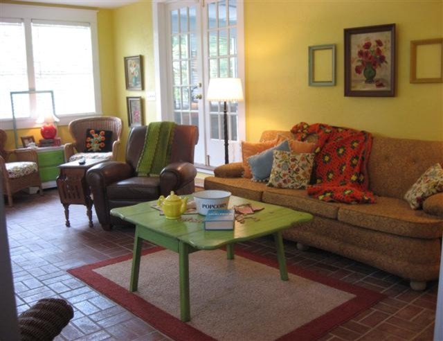 Dear Daisy Cottage- family room