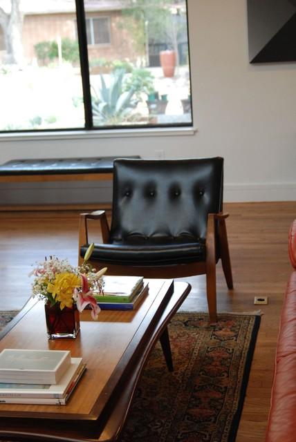 Austin Modern Homes Tour 2012 modern-living-room