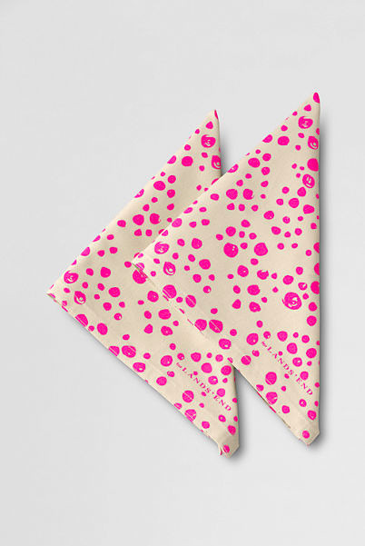 School Uniform Girls' Konserve Dot Cloth Sandwich Napkins, Electric Pink contemporary-napkins