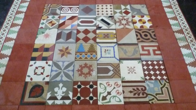 Www luxurystyle es old spanish style design floor tiles - Spanish floor tile designs ...