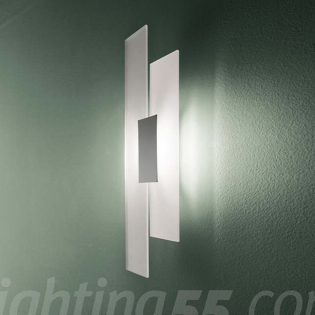 Itre - Avenue Wall Sconce modern