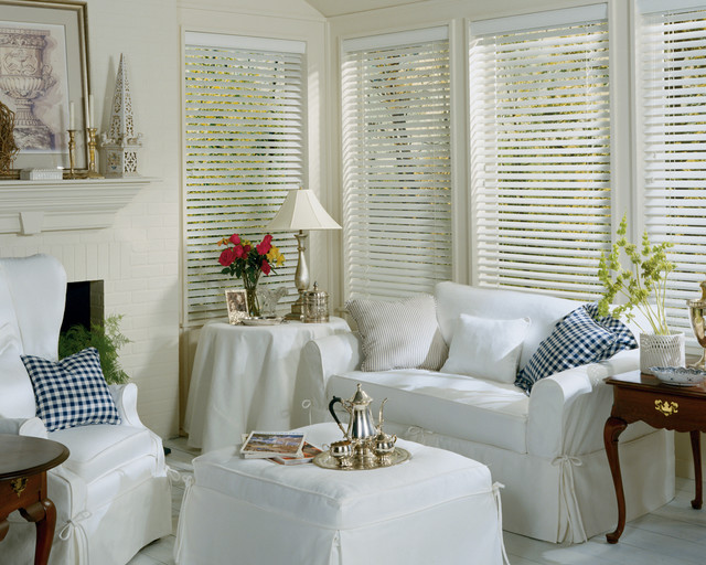 Composite & Faux Wood Blinds traditional-window-blinds