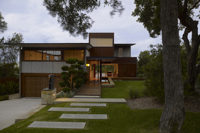 Sustainable beach house by virginia kerridge architects for Beach house designs south coast nsw